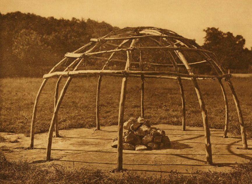 native american sweat lodge The ceremonies of the sweat lodge include rites of preparation, prayer, and purification many native americans today claim the sweat, as they call it, as an important spiritual tradition, widely shared and resonant with intertribal native identity.